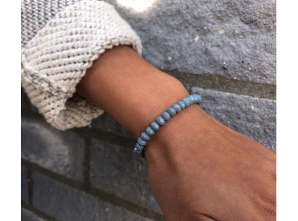 Grey bracelet with glass beads