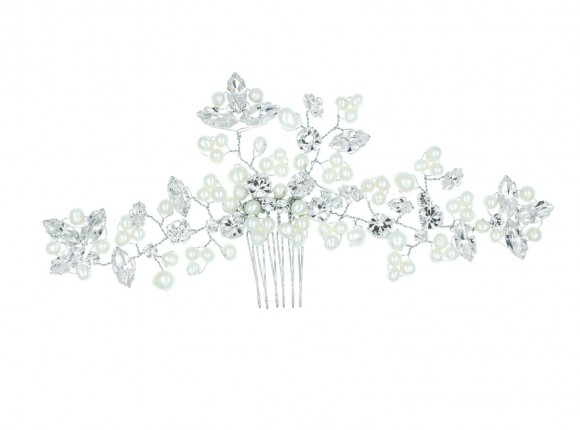 Hair accessory for the bride with fresh water pearls and preciosa crystal