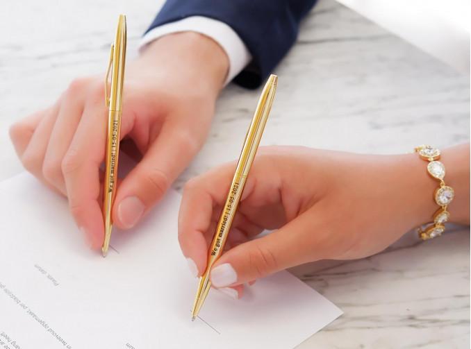 Mooie pennen voor het bruidspaar om te ondertekenen