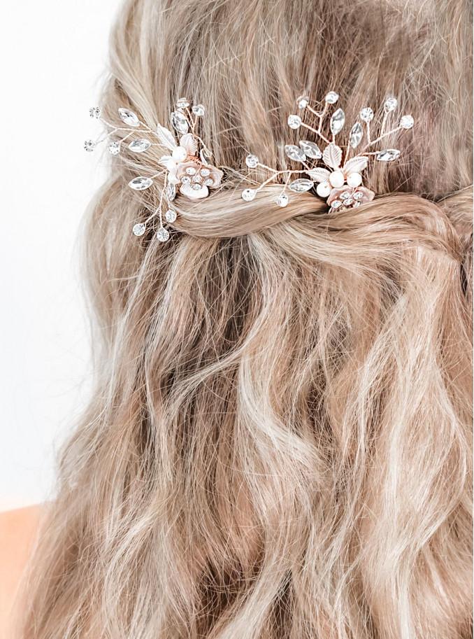 Mooie rosekleurig haaraccessoire voor in het haar
