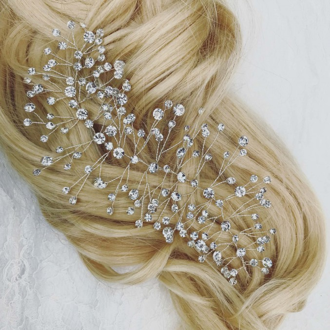 haaraccessoire van drks in blond haar