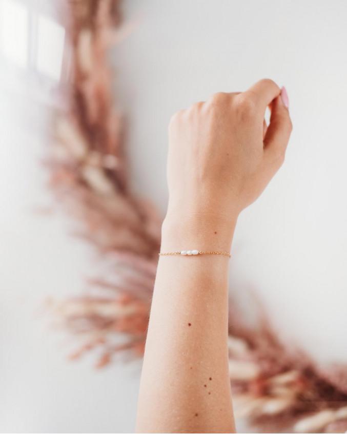 Armband drie pareltjes verguld sterling zilver