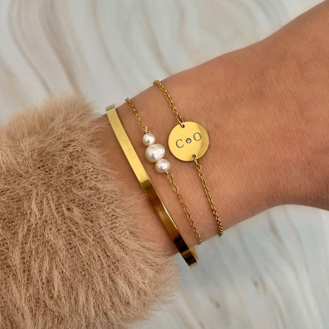 Mooie look met armbanden voor een trendy set