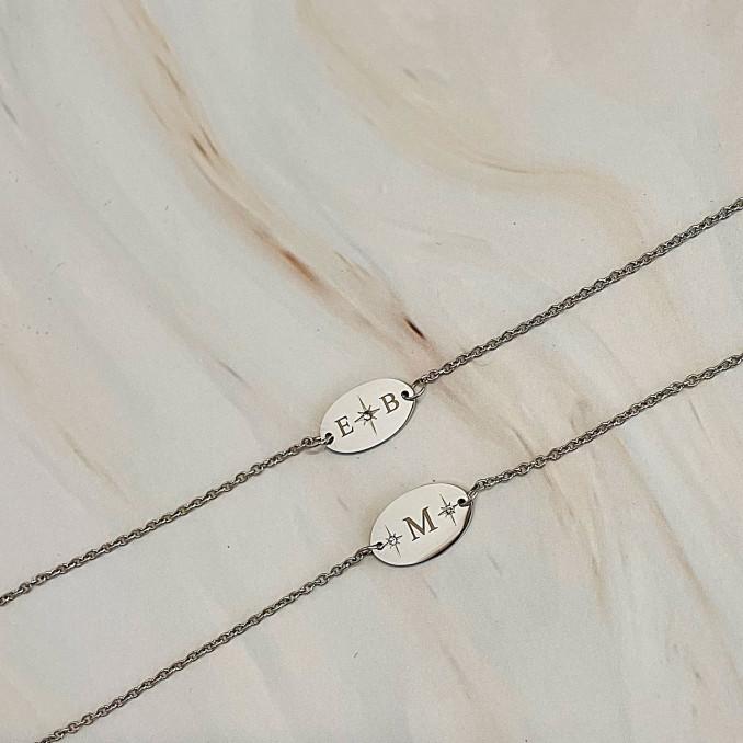 Trendy letter armbanden om te kopen