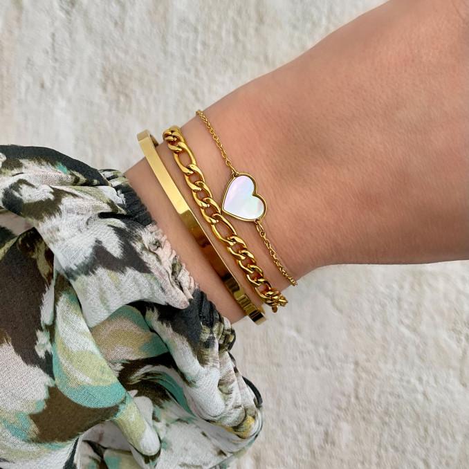 Gouden sea shell armband met hartje gecombineerd