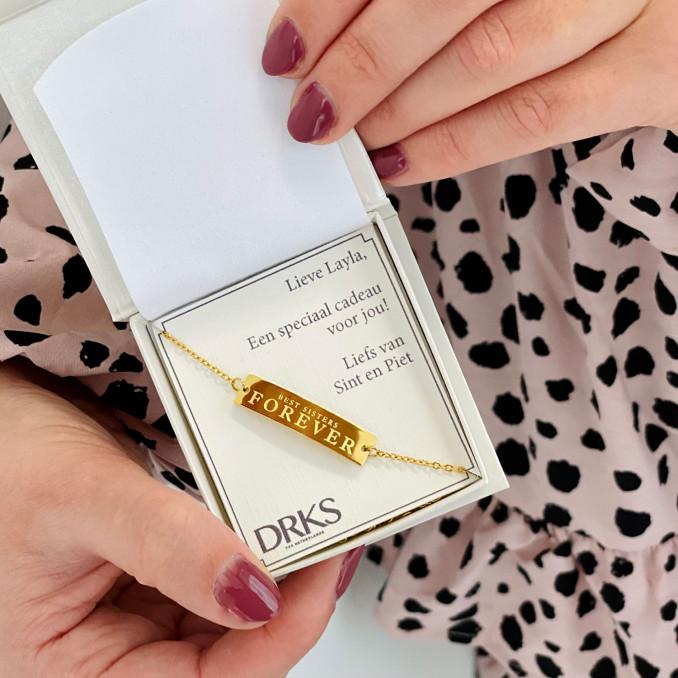 Gouden zussen armband in doosje met tekst