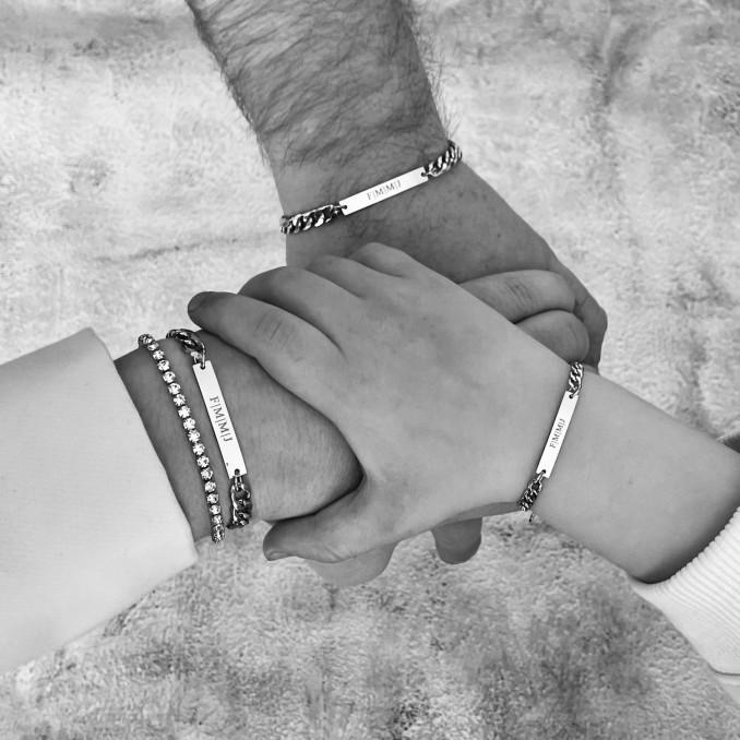 Mooie graveerbare armbanden voor moeder en kind in het goud
