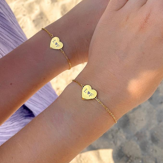 Shop de mooiste armbandjes met gravering in het goud