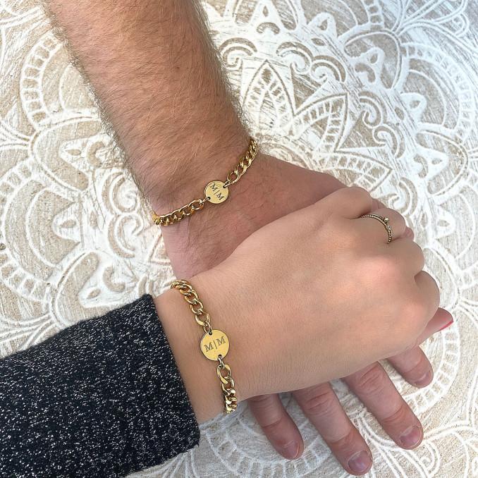 Mooie gouden couple armbanden voor een stel om te delen