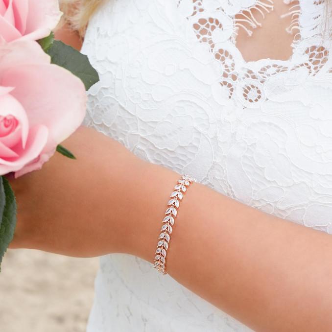 rose goudkleurige armband voor de bruid voor een mooie look