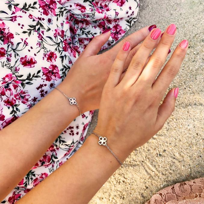 Shop de armbanden in het zilver klavertje vier