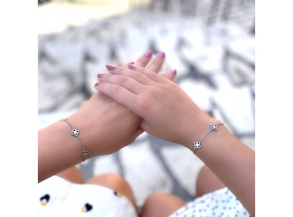 Zilveren moeder en dochter armbandjes met klavertjes
