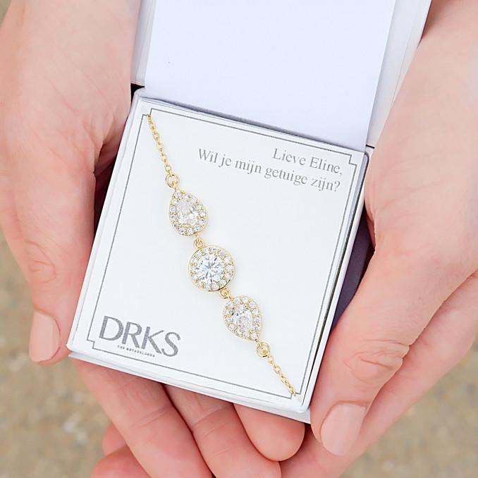 Gouden sparkle armband voor de bruid in sieradendoosje