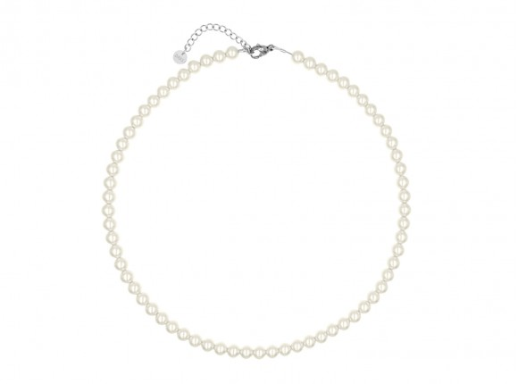 Elegant necklace with faux pearls in ivory