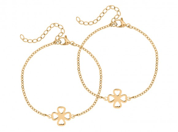 Gold clover bracelet to celebrate bond between mother and daughter