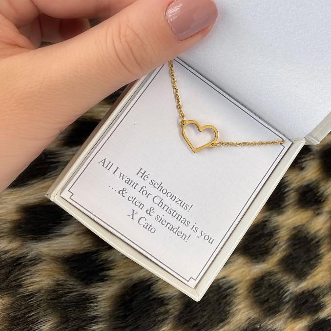 armband met hartje met persoonlijke tekst in sieradendoosje