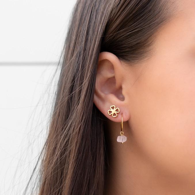 Trendy gouden oorringetjes met stainless steel stud knopje