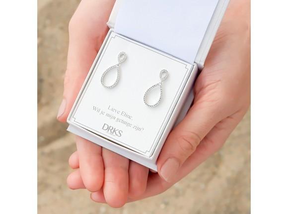 Minimalistische oorbellen met druppel zilver