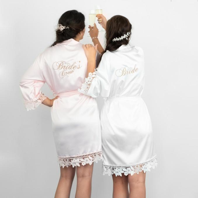 Kimonos met bride en brides crew met kant nieuw