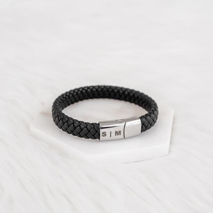 Graveerbare heren armband in zwart leer met gravering