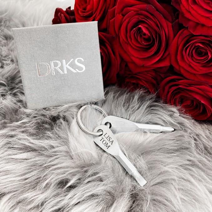 Leuke sleutelhanger met schroevendraaier die je kunt graveren om cadeau te geven