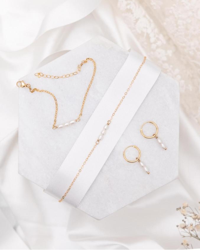 Mooie sfeer foto van de sieraden set pareltjes