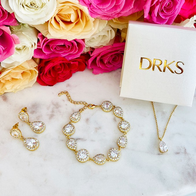 mooie gouden sieradenset voor een complete look