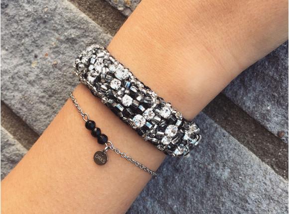 armband met zwarte steentjes van drks