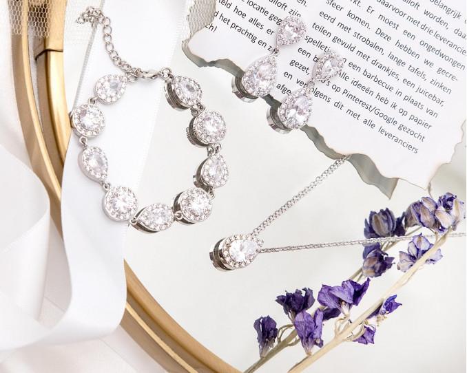 Set met daily luxury sieraden voor bruid