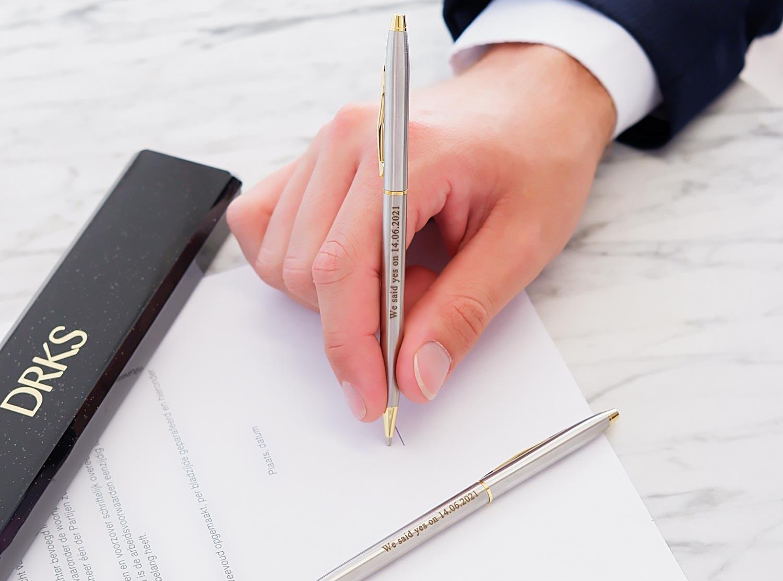 Mooie pen met gravering voor een handtekening om te kopen