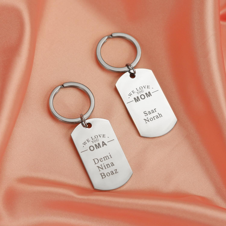 Sleutelhangers voor mama en oma op roze satijn