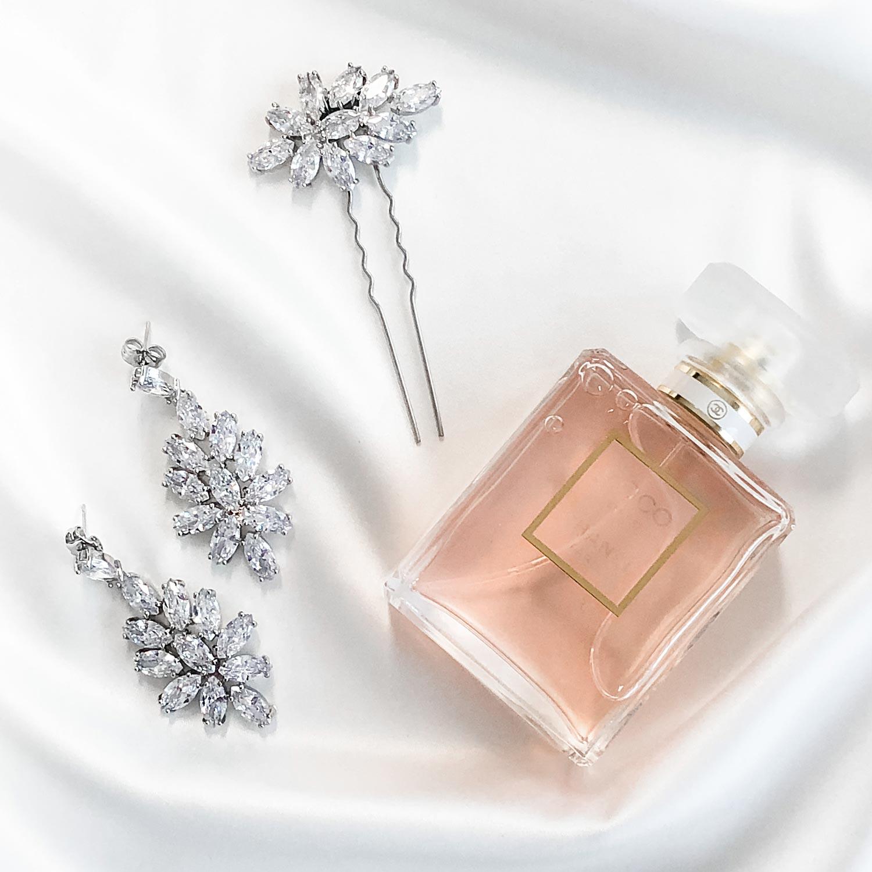 Bruidssieraden statement met parfumflesje