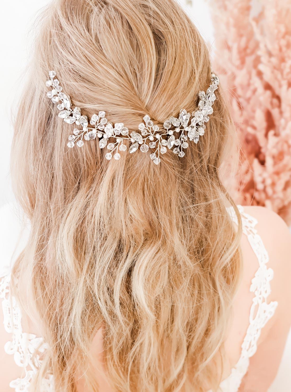 Mooi haaraccessoire voor de bruid om te kopen
