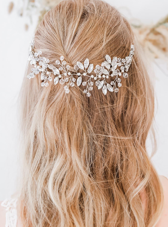 Mooi haarsieraad voor de bruid om te dragen