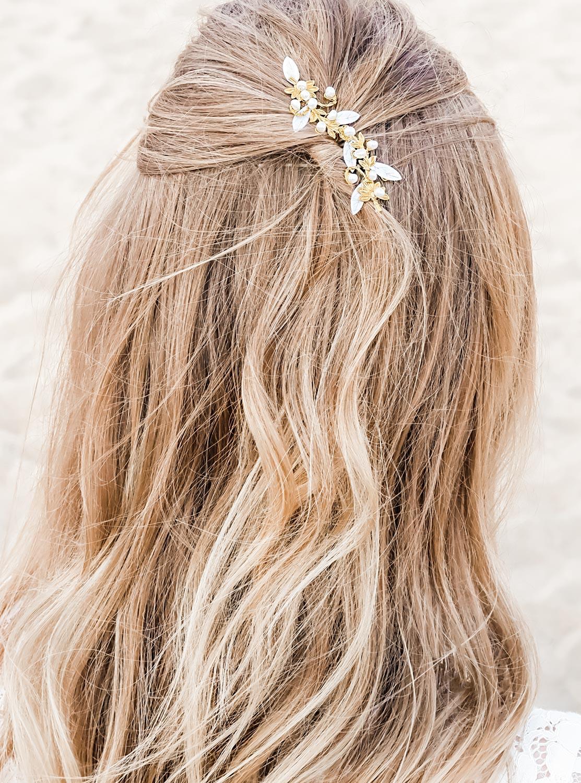 Mooie haarsieraad in een gouden kleur voor een mooie look