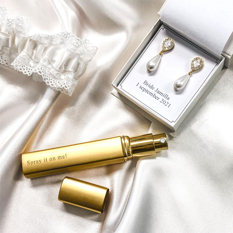 Graveerbare parfumverstuiver om cadeau te geven aan de bruid