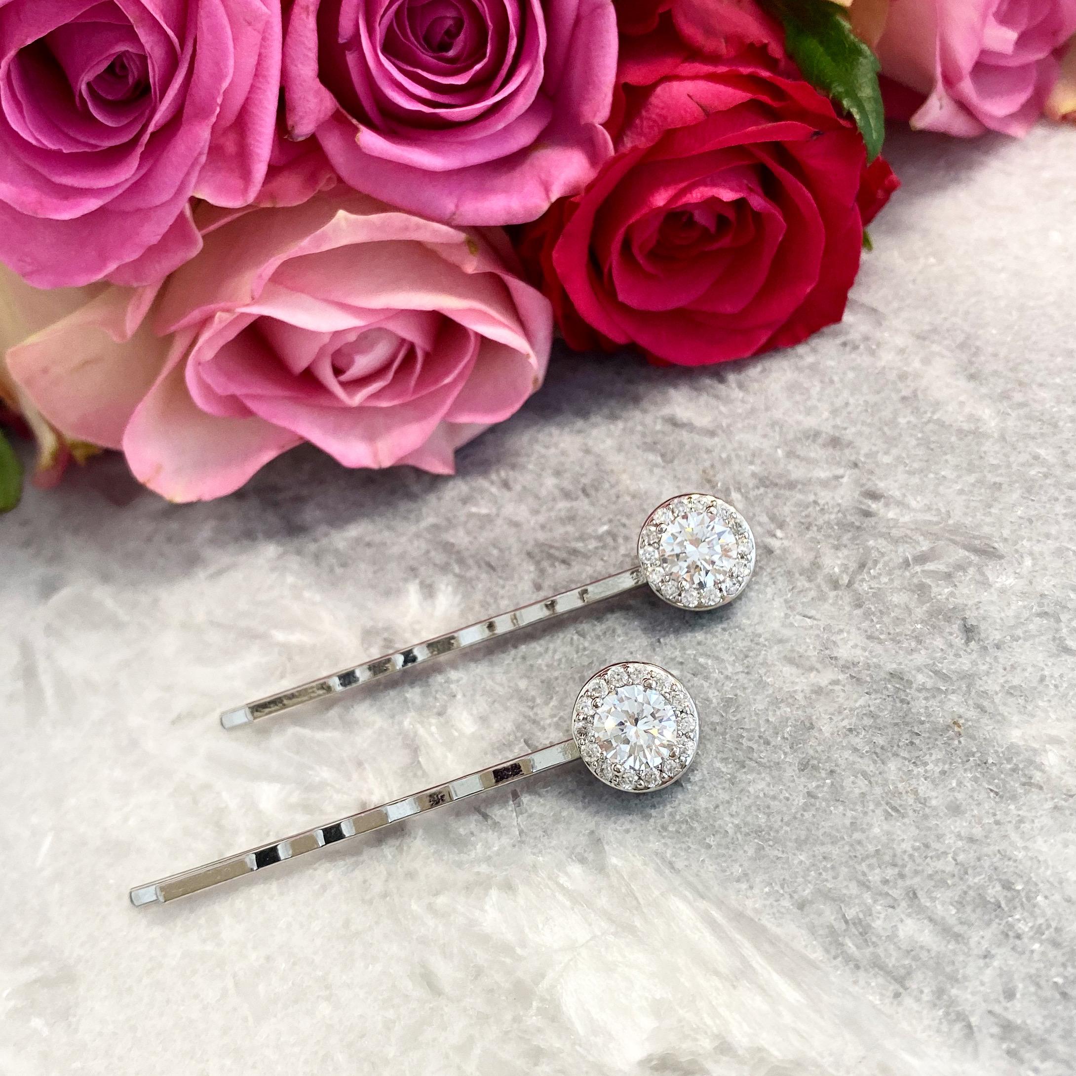 Mooie haaraccessoire met roosjes voor een mooie bruidslook