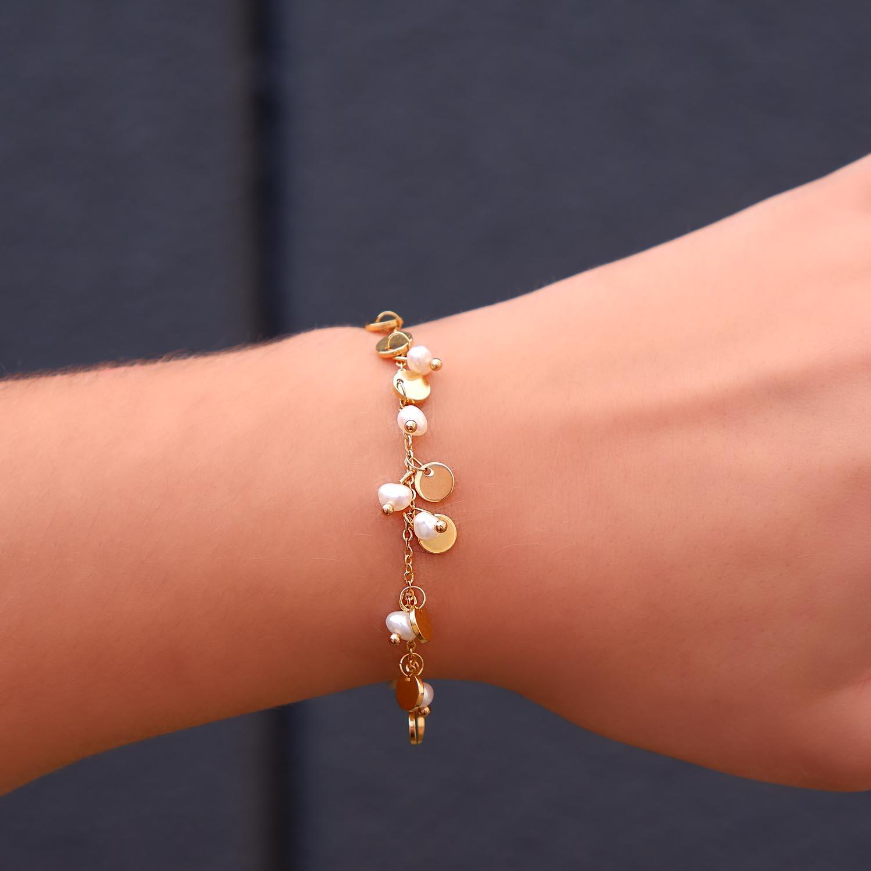 Mooie parel armband voor om de pols met meerdere zoetwaterparels