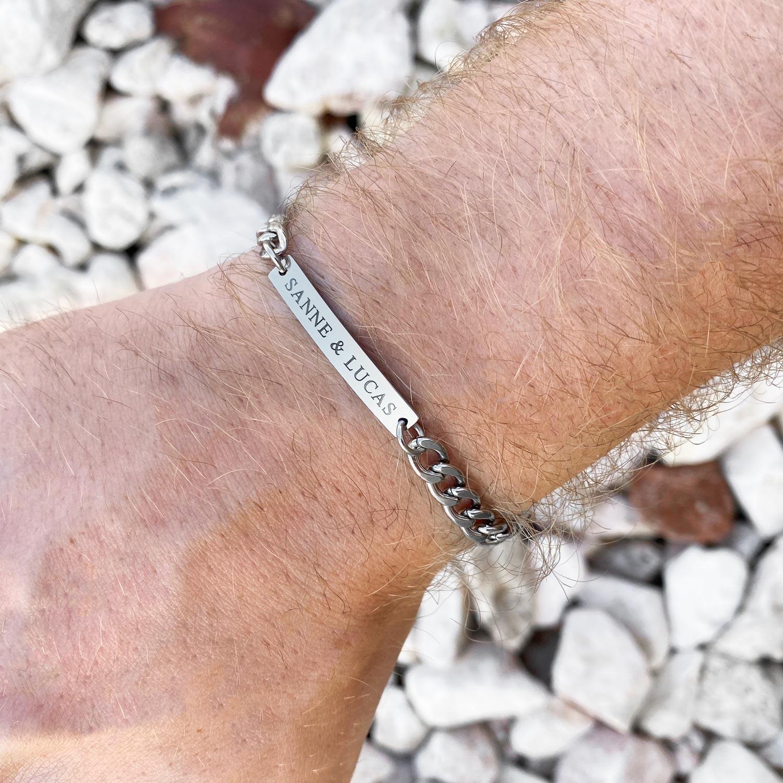 Trendy armband voor hem om te kopen