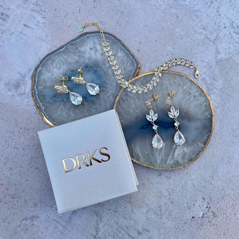 Mooie set met bruids oorbellen voor een mooie look