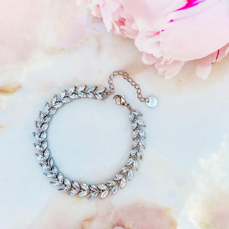 Mooie sparkle armband voor de bruid met steentjes