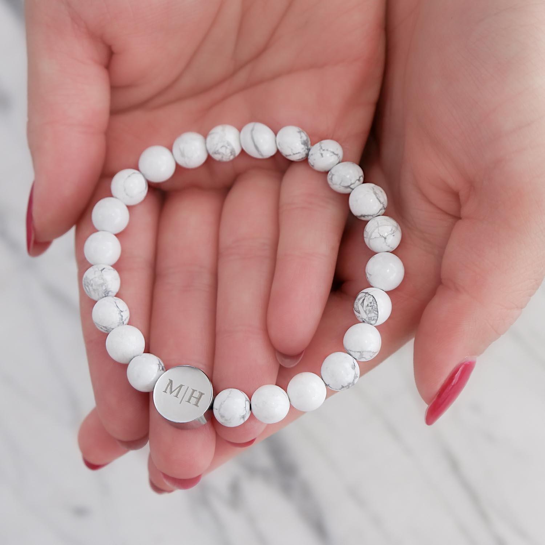 Witte armband voor hem voor een trendy look om te kopen