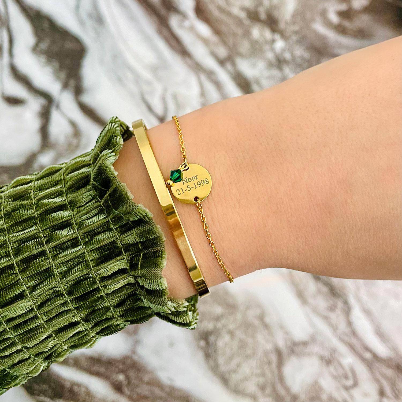 Gouden birthstone armband met bangle gecombineerd