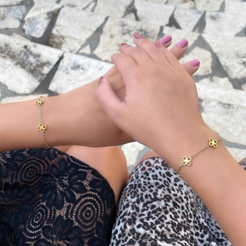 gouden armband voor moeder en dochter om te delen