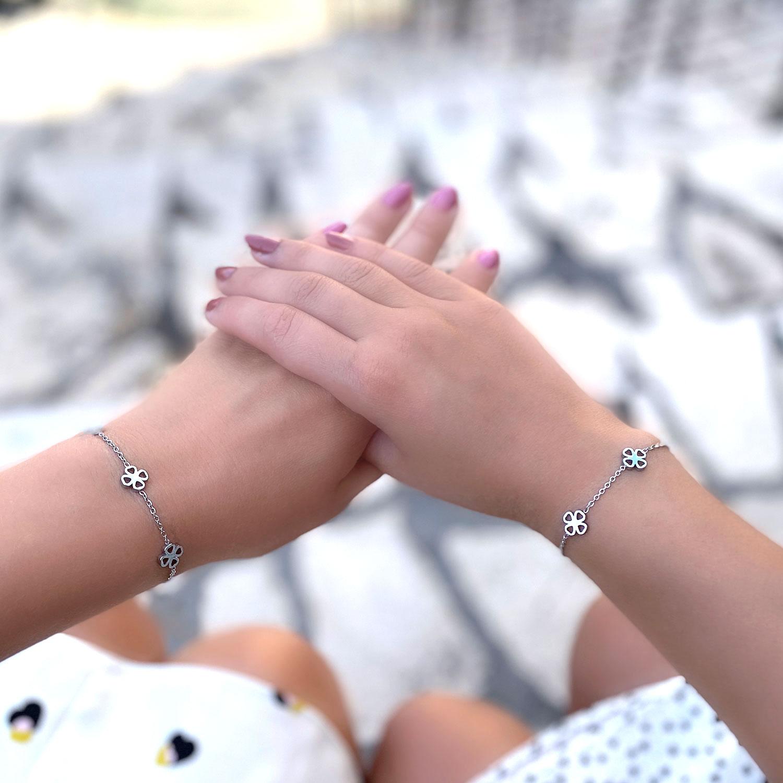 Zilveren moeder dochter armband voor om de pols