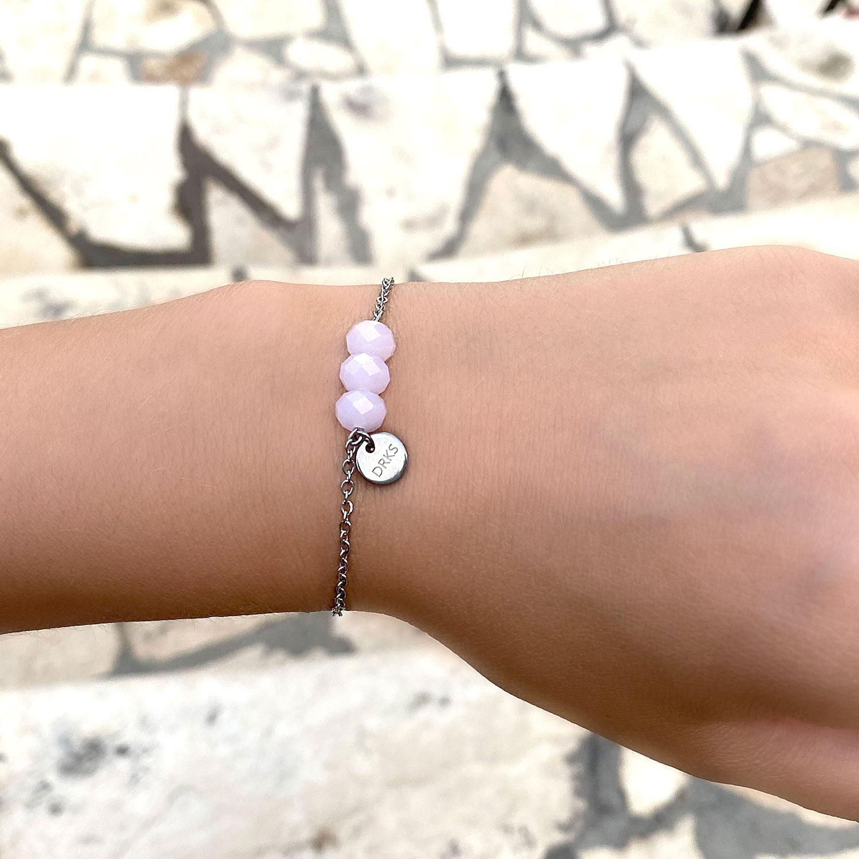 Leuke armband met kraaltjes voor om de pols om te delen