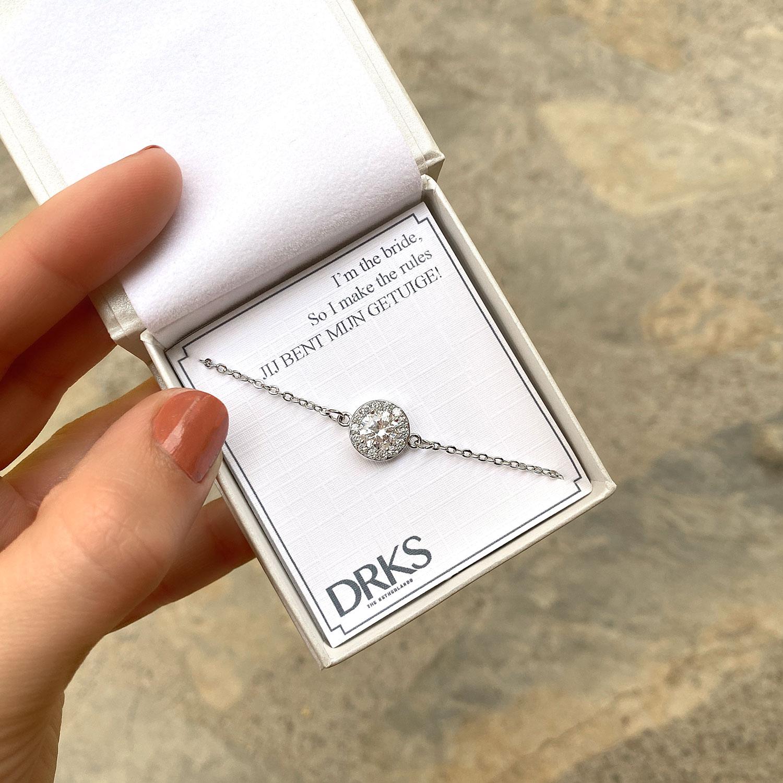 Mooie sparkle armband om de pols met een leuke tekst in sieradendoosje