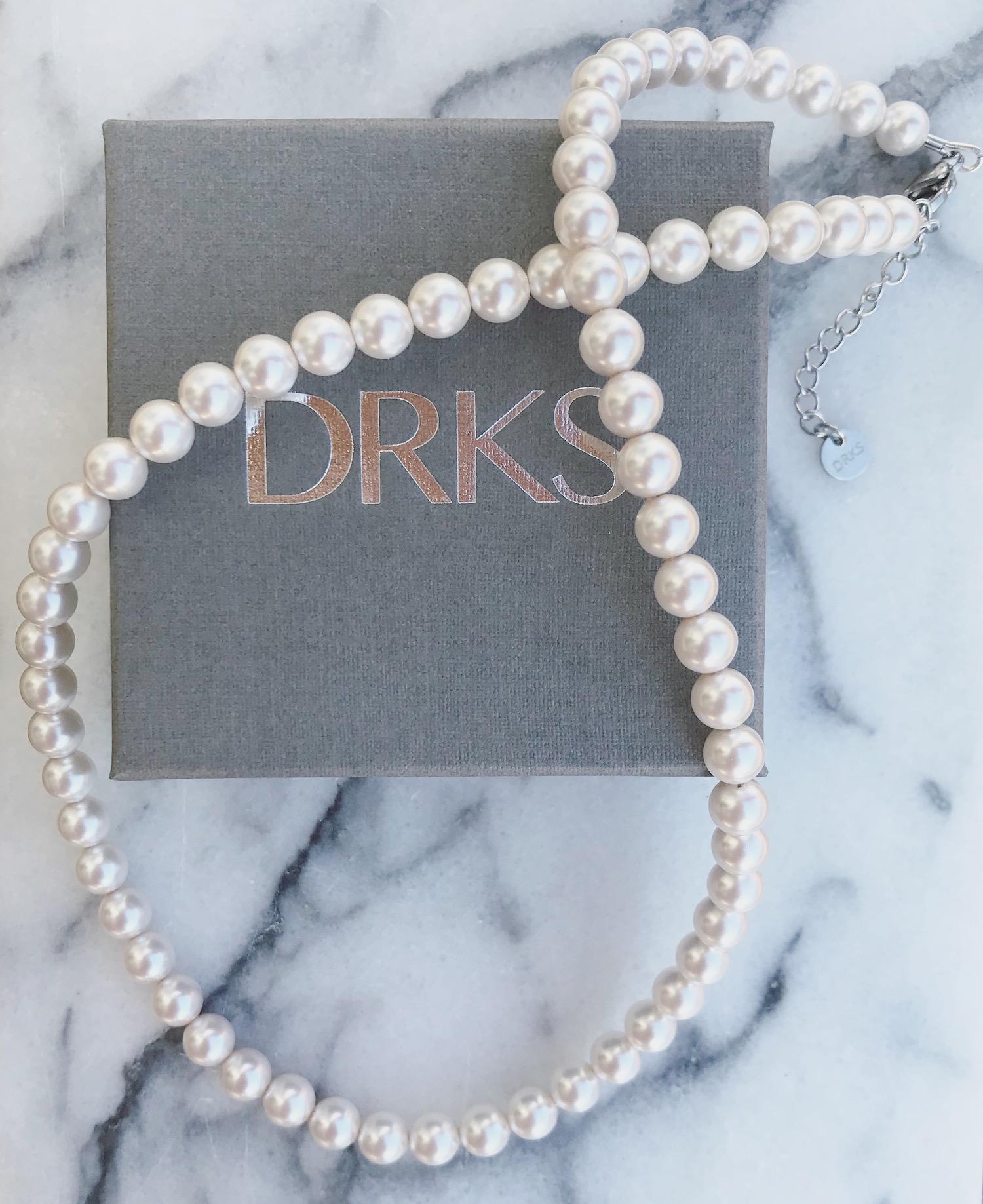 DRKS ketting met mooie, elegante ivoor faux pearls