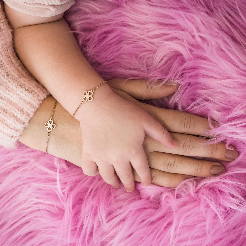 Leuke rose gouden armbandjes om te delen met jouw kind