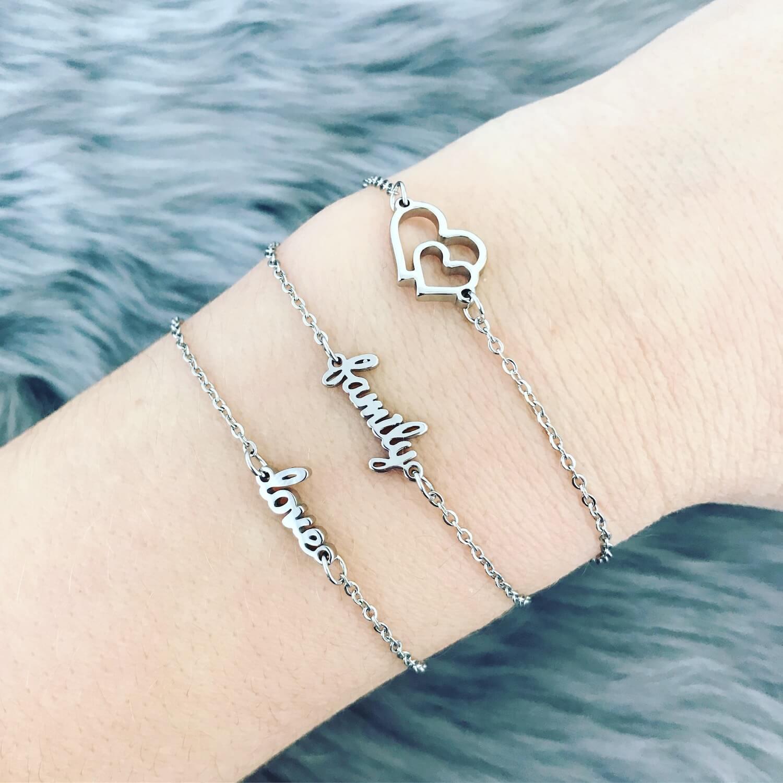Combinatie van zilveren stalen armbandjes